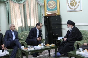 The minister of the health Dr. Hashmi met with Grand Ayatollah Hashemi Shahroudi in the week known as health week.
